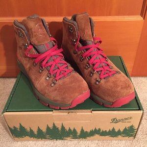 Danner Hiking Boots Waterproof Vibram Soles